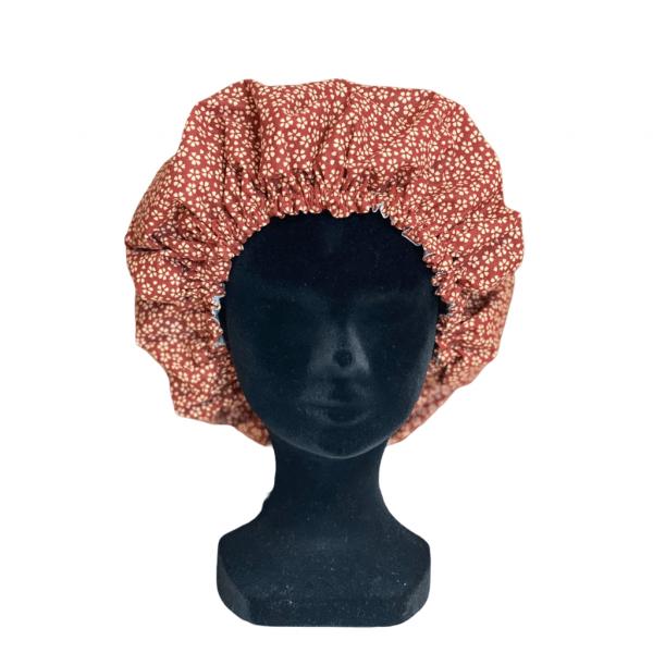 Bonnet fleurs rouille